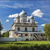 Купола в облаках :: Евгений Никифоров
