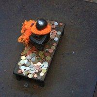 Самый маленький памятник в мире. :: Александр Лейкум