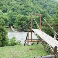 Подвесной мост над рекой Бзыбь :: Елена Смолова