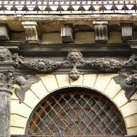 г.Львов, фрагмент здания на площади Рынок :: super-krokus.tur ( Наталья )