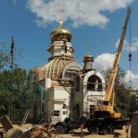 Церковь Царственных Страстотерпцев в Коптеве :: Александр Качалин