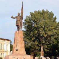 Памятник Ермаку в Новочеркасске. :: Владимир Болдырев