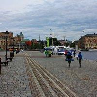 На набережной.(Стокгольм) :: Александр Лейкум