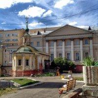 Монастырский дворик :: Ирина Бирюкова