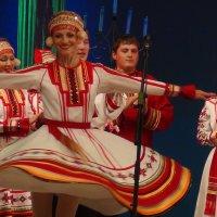 """Мордовский народный танец """"Умарина"""" (Яблонька) :: Любовь (Or.Lyuba) Орлова"""