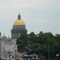 Вид на Исаакиевский собор с Дворцовой площади :: Елена Каталина