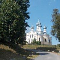 Церковь на холме. :: Фотогруппа Весна.