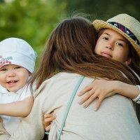 Семейная рогулка в парке :: Эльвира Насырова