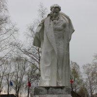Памятник Пушкину в Большом Болдине :: Любовь (Or.Lyuba) Орлова