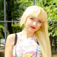 Яркая блондинка :: Кристина Бессонова