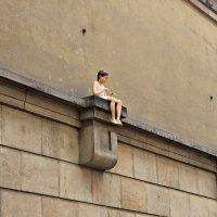 Девочка с бумажным самолётиком! :: Оксана Яремчук
