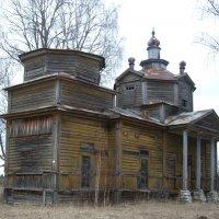 церковь в скверах :: Екатерина