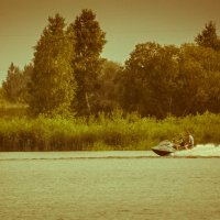 лето,водоём и мотоцикл... :: Игорь Чичиль