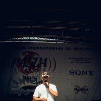 ведущий :: Дмитрий Гуреев