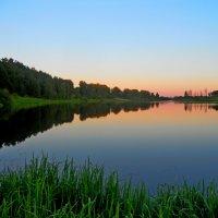 краски вечернего озера :: Сергей Швечков