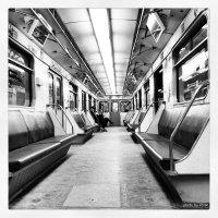Мы, как птицы, садимся на разные ветки, и засыпаем в метро.. (с) :: Lady Etoile