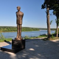 Белла Ахмадулина (скульптура) :: Августа
