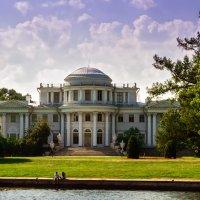 Елагинский дворец. :: Сергей Исаенко