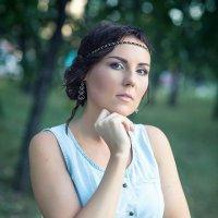 Аннушка в парке :: Alex Lipchansky