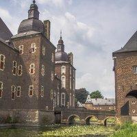 Лилии и Замок :: Witalij Loewin
