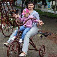 Прокати меня, бабуля, на велике) :: Лариса Рогова