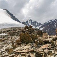 вдалеке гора Актру :: Дмитрий Кучеров