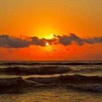 Утонувшее солнце :: Наталья Джикидзе (Берёзина)