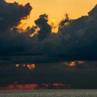 Зловещий закат :: Виктор Х.