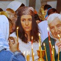 Люди в храме 5 :: Валерий Симонов
