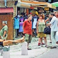 туристы и аборигены :: Владимир Матва
