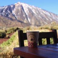 вулкан Тейде  и чашечка кофе.... как первое свидание.... :: Олеся Чубаренко