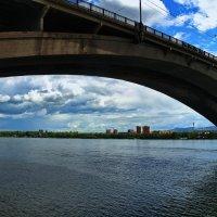 Мост в Красноярске. :: Владимир Михайлович Дадочкин
