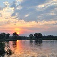 "Закат над озером ""Орешек"" 02.08.14г :: Диана Задворкина"