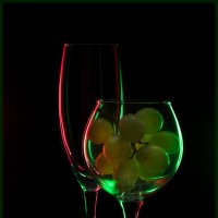 Glass&Grapes :: Lev Serdiukov