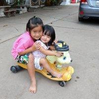 Лаос. Две сестры :: Владимир Шибинский