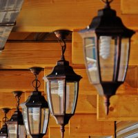 фонарики на ветру :: Валерий Дворников