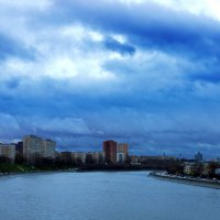 на Москве-реке :: Александр Шурпаков