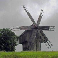 А где-то старая мельница крутится,вертится... :: Татьяна и Александр Акатов
