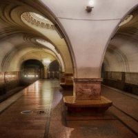 Свет и тени метро :: Алексей Соминский