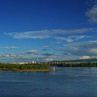 Вид на правый берег Енисея в Красноярске :: Владимир Михайлович Дадочкин