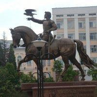 Витебск. Памятник князю Ольгерду... :: Владимир Павлов