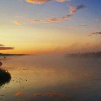 Рассвет на озере. :: Владимир Михайлович Дадочкин