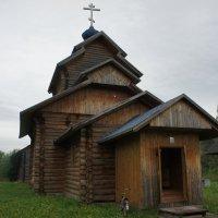 Так вот выглядит новая церковь в три четверти. :: Елена Павлова (Смолова)