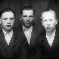 Три товарища . 1946 г. :: Валерий Судачок