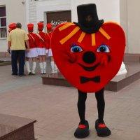 Бродило по городу сердце кривоногое.... :: Владимир Болдырев