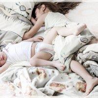 внучки спят... :: Олег Мокрушев