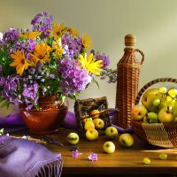 На яблоках настоянная осень... :: Валентина Колова