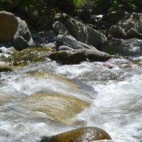 От водопада к озеру :: Мария Неизвестная