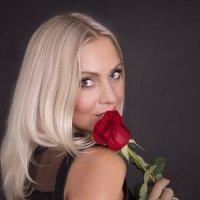 Девушка с розой. :: Ксения Соболева