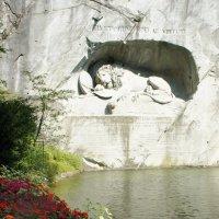 Люцернский «Умирающий лев» :: Елена Павлова (Смолова)